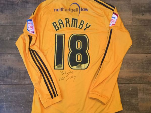 2010 2011 Hull City Barmby Match Worn Home Poppy Football Shirt